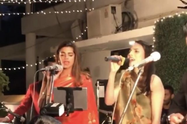 watch:-sanam-saeed-and-zoe-viccaji-jamming-to-mama-mia-at-rachel-viccaji's-wedding